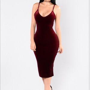 Fashionnova velvet midi dress M NWT